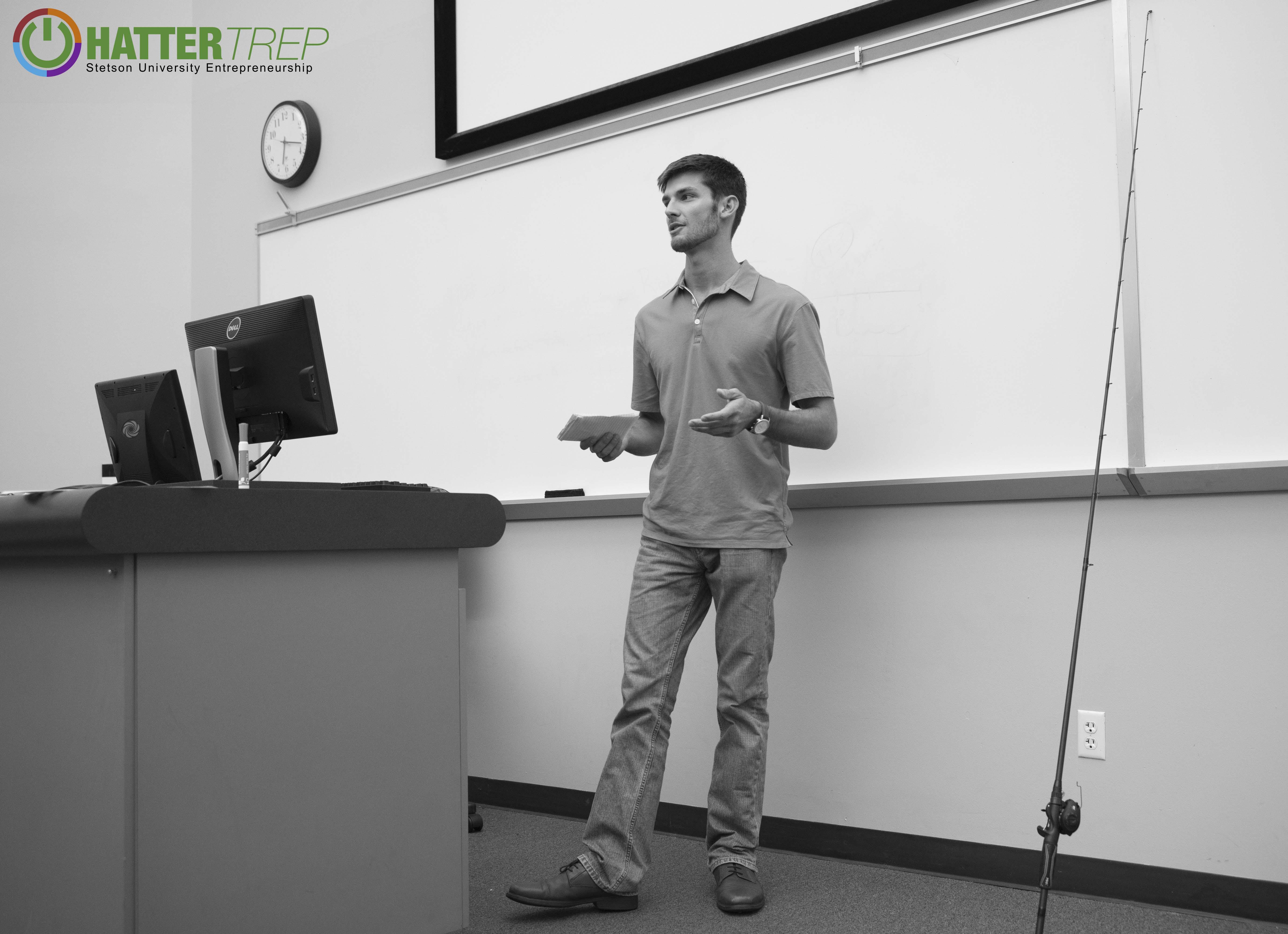 Thomas Oltorik presenting his business idea